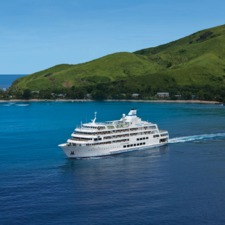 Captain Cook Cruises - Reef Endeavour