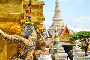 Golden bridge at Wat Pra Keaw, Bangkok