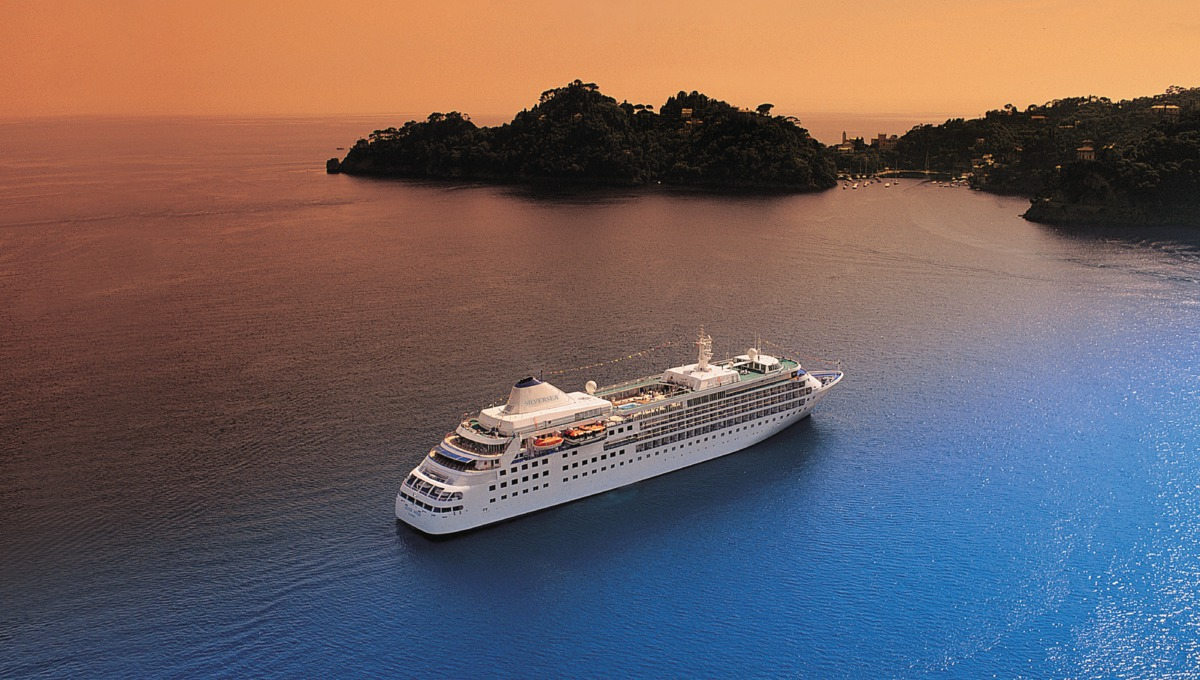 Silversea Cruises - Silver Wind at sea