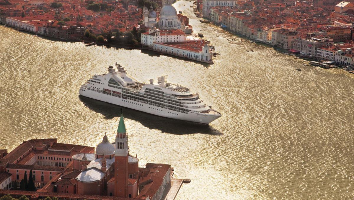 Seabourn Cruises - Seabourn Odyssey in Venice