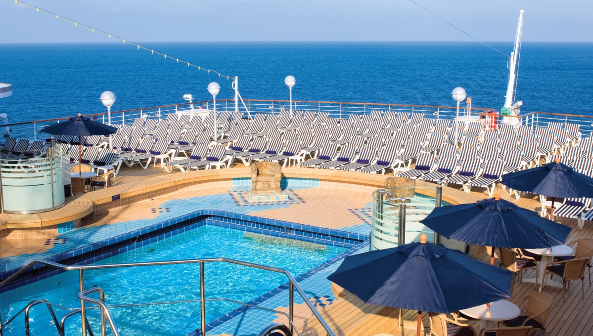 Holland America Line cruises - MS Noordam pool