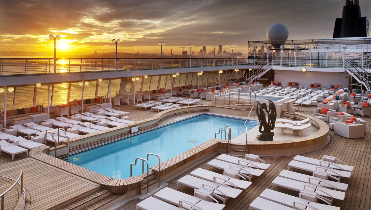 Crystal Cruises - Crystal Symphony Seahorse pool