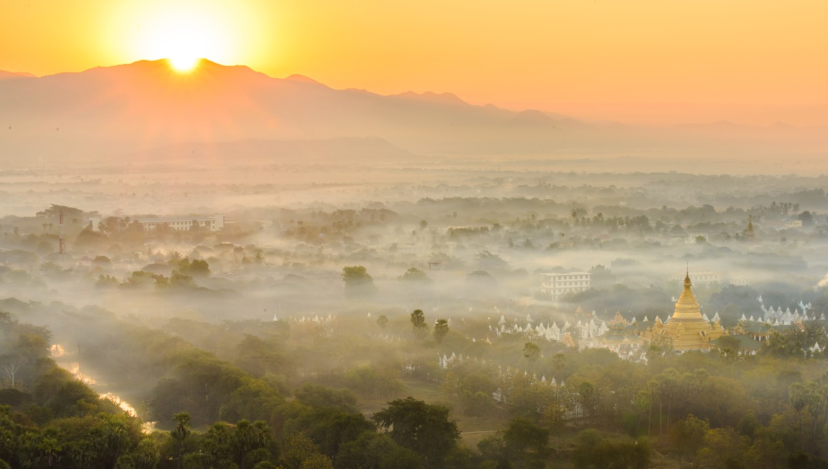 Myanmar & Ayeyarwady river cruise guide: Sunrise over Mandalay