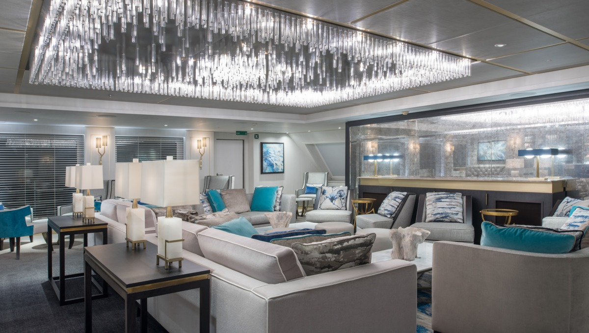Crystal Esprit - Cove Lounge