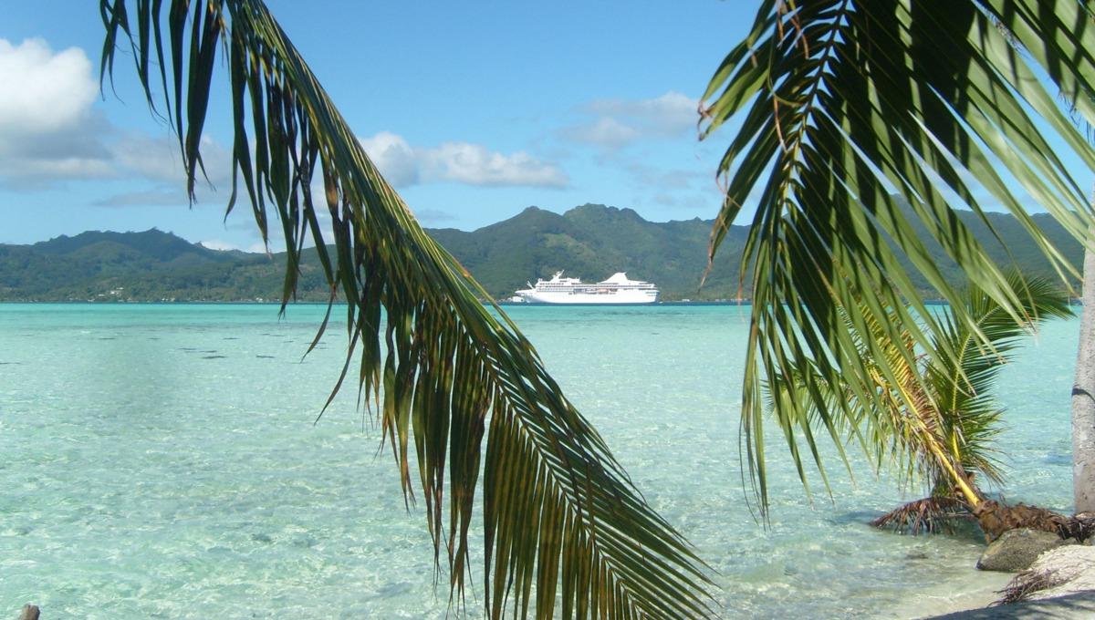 Paul Gauguin Cruises review - Tahiti & The Society Islands