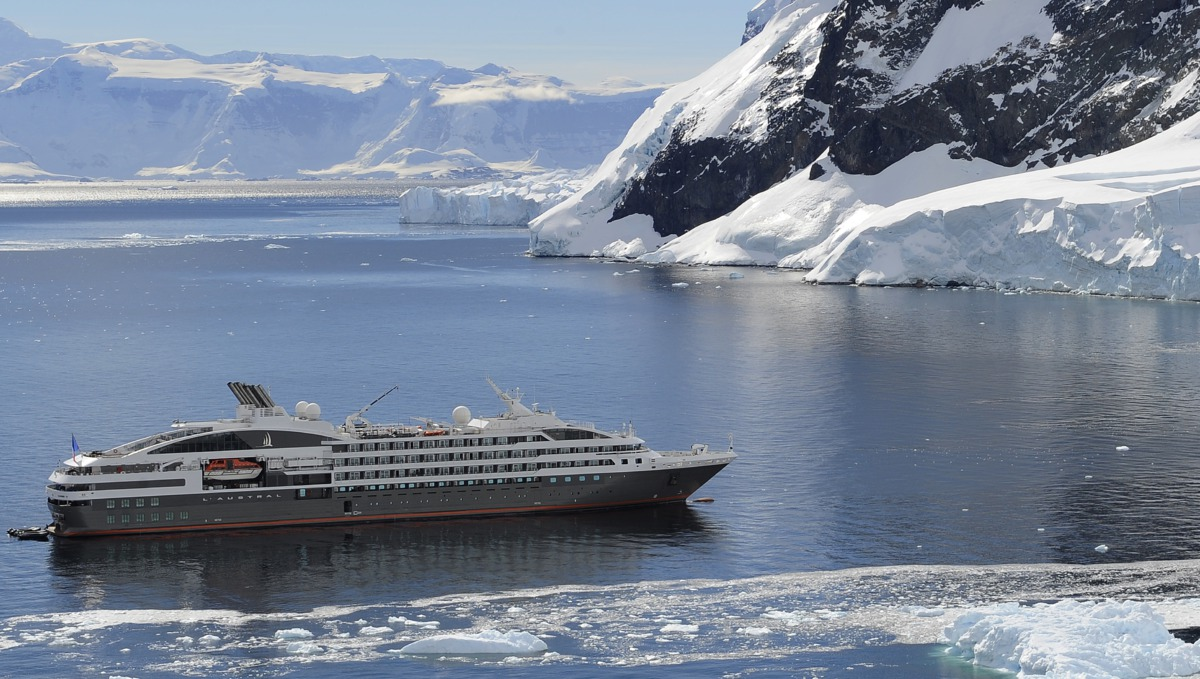 Ponat Cruises
