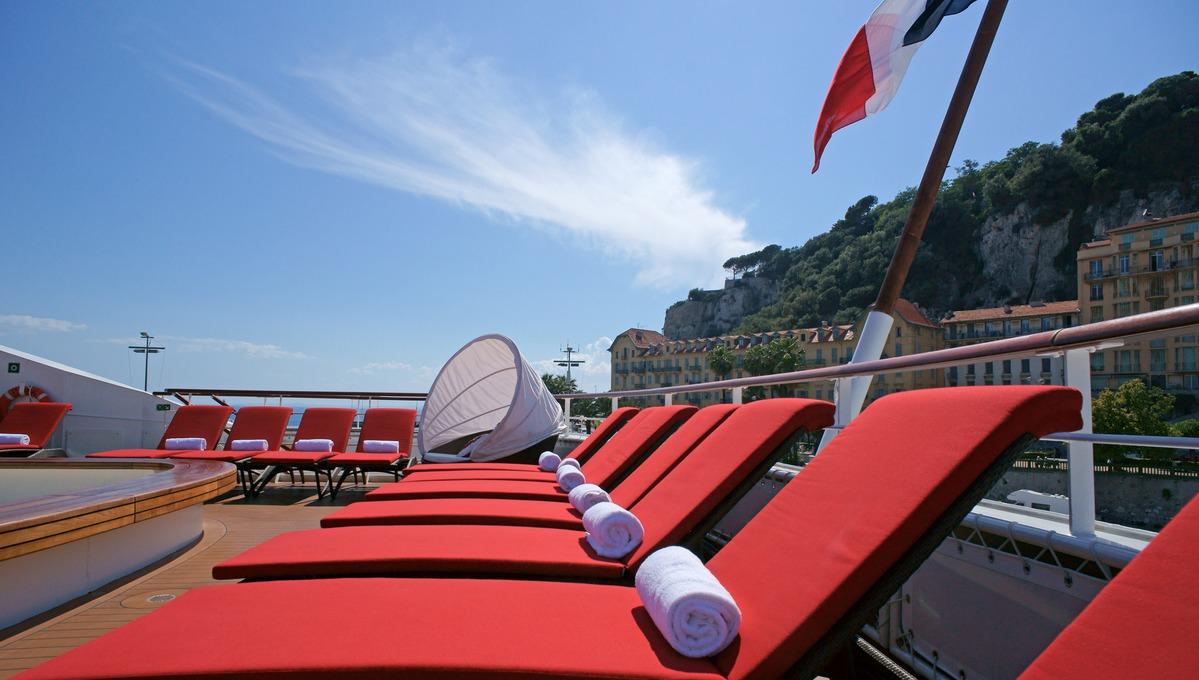 Ponant - Le Boréal sun deck