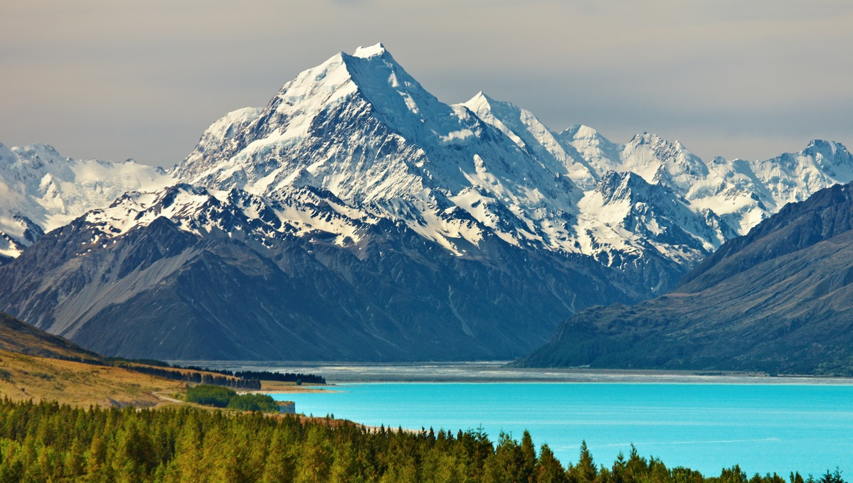 New Zealand expedition cruise guide: Mount Cook, Pukaki Lake
