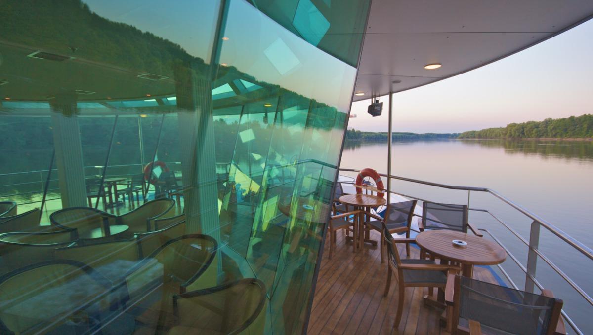 AmaCello Panoramic Lounge Patio