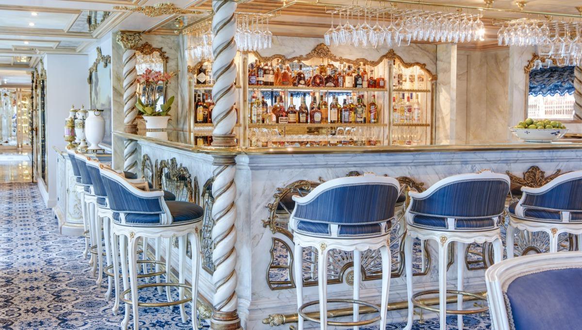 S.S. Maria Theresa lounge