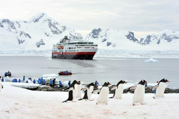 Hurtigruten - MS Fram in Antarctica