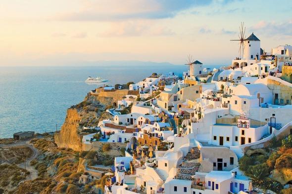 Windstar Cruises - Star Pride in Santorini