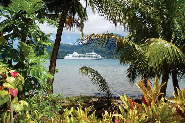 Silver Whisper in Tahiti