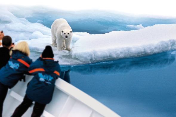 Hapag-Lloyd Cruises - MS Bremen in the Arctic