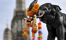 Elephant statue at Wat Arun, Bangkok