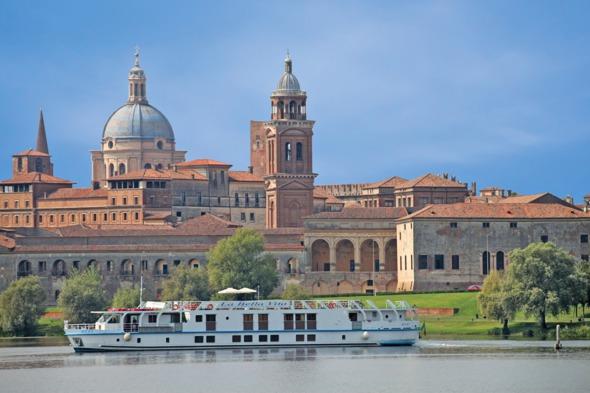 Po river cruise review - European Waterways' La Bella Vita in Mantua, Italy