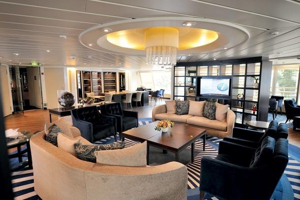 Windstar Cruises - Star Breeze Yacht Club