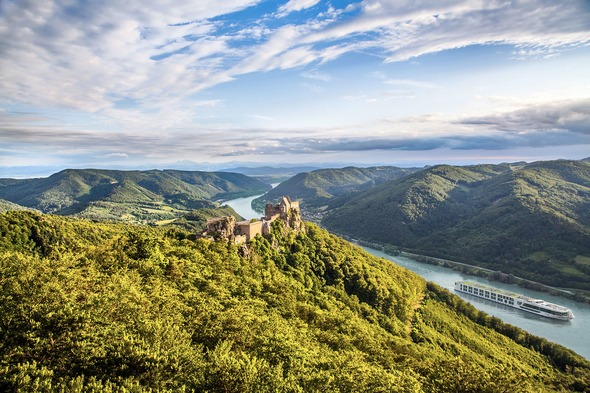 Scenic Jasper in the Wachau Valley - read our first time river cruise guide to find out more