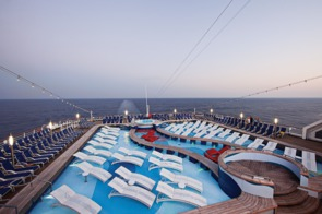 Holland America Line cruises - MS Rotterdam pool deck