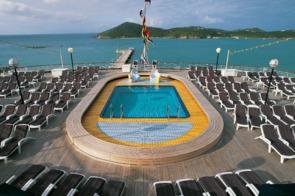 Holland America Line cruises - MS Volendam pool deck