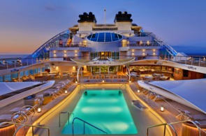 Seabourn Encore - Pool deck