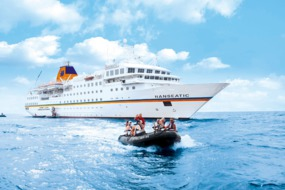 Hapag-Lloyd Hanseatic and Zodiac