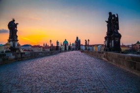 Elbe river cruises - Sunrise over Charles Bridge in Prague