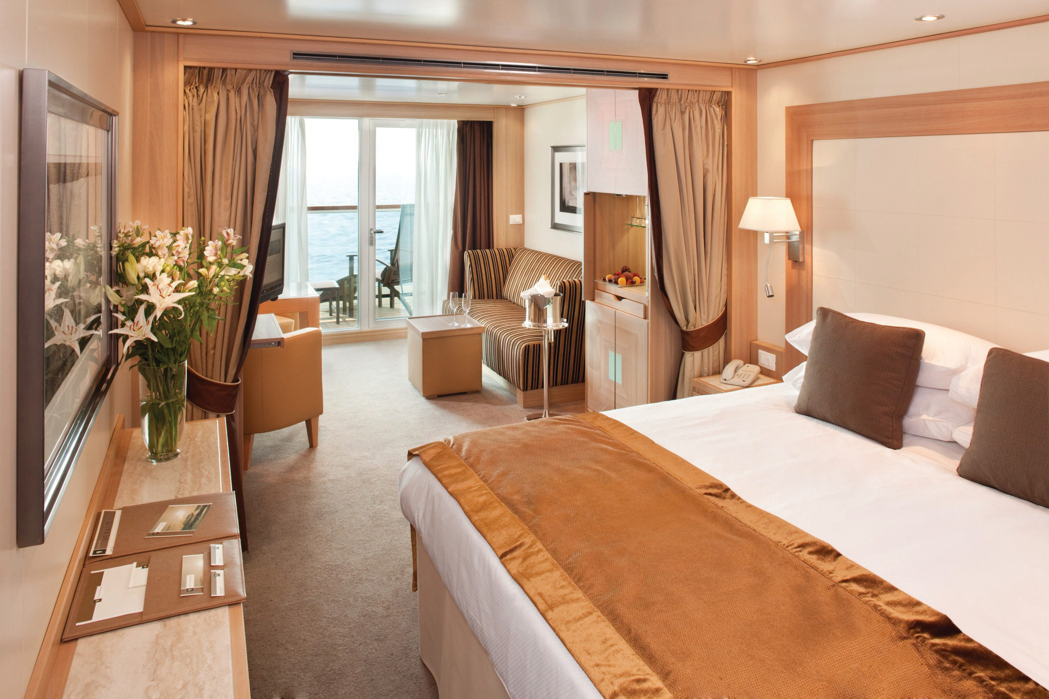Seabourn odyssey sojourn quest mundy cruising ocean view suite seabourn veranda suite baanklon Images