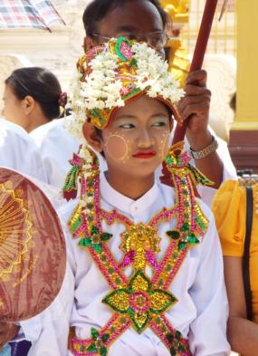 Sanctuary Ananda review - Shwedagon Pagoda in Yangon, Myanmar