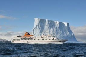 Hanseatic in Antarctica