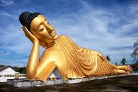 Wat Srisoonthorn temple, Phuket